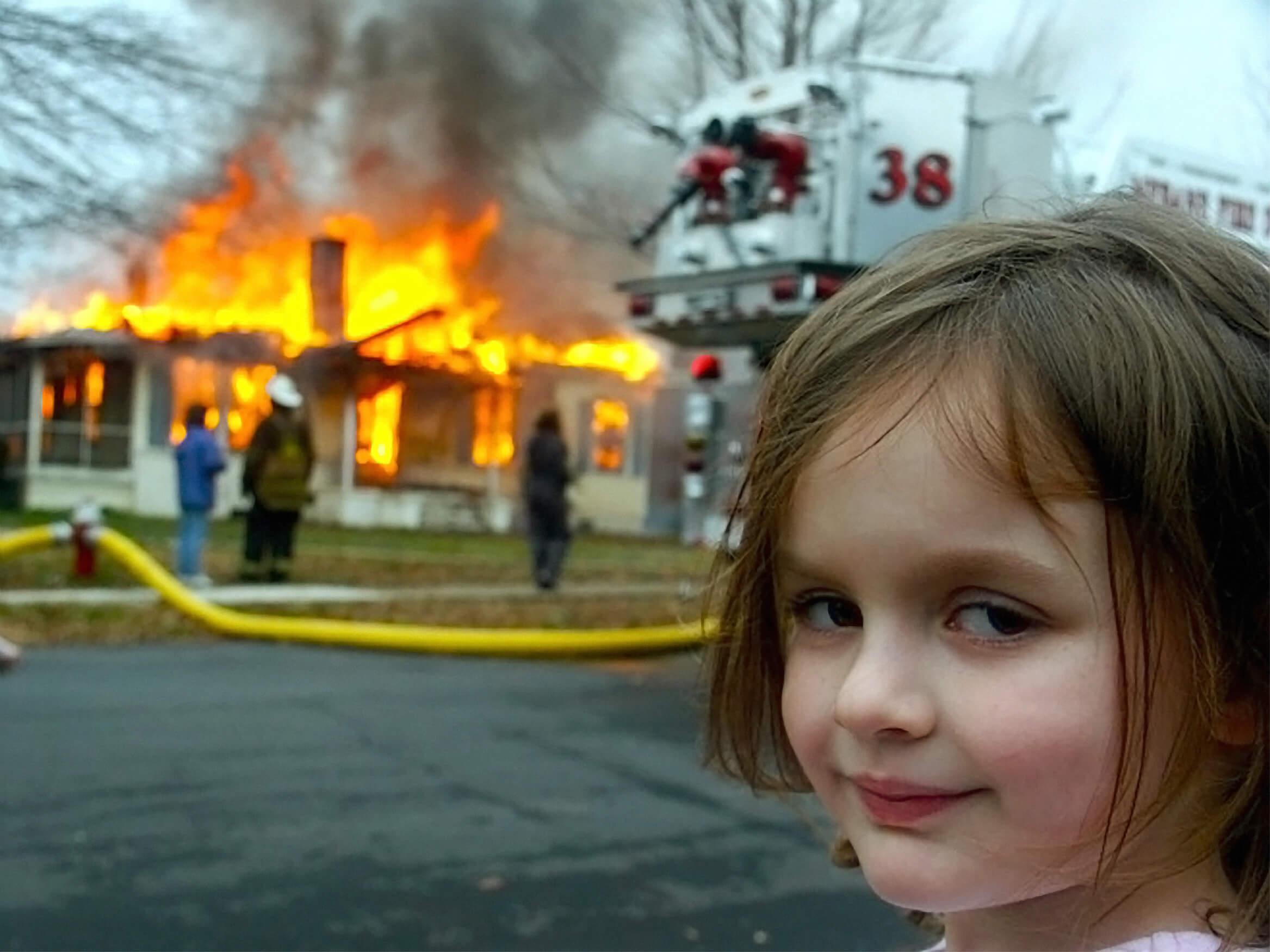 Ir a la pagina de la plantilla Disaster Girl.